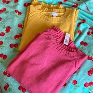 2 Old Navy sweaters pink/yellow size L